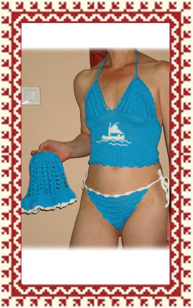 Horgolt fürdőruha - Kék fehér hajó mintás horgolt kétrészes fürdőruha szett f59c711449